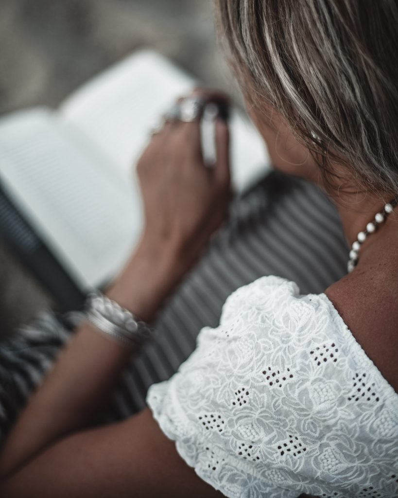 reading, Salento, Punta Prosciutto beach