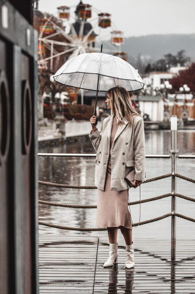 beige-outfit-satin-skirt-corduroy-blazer