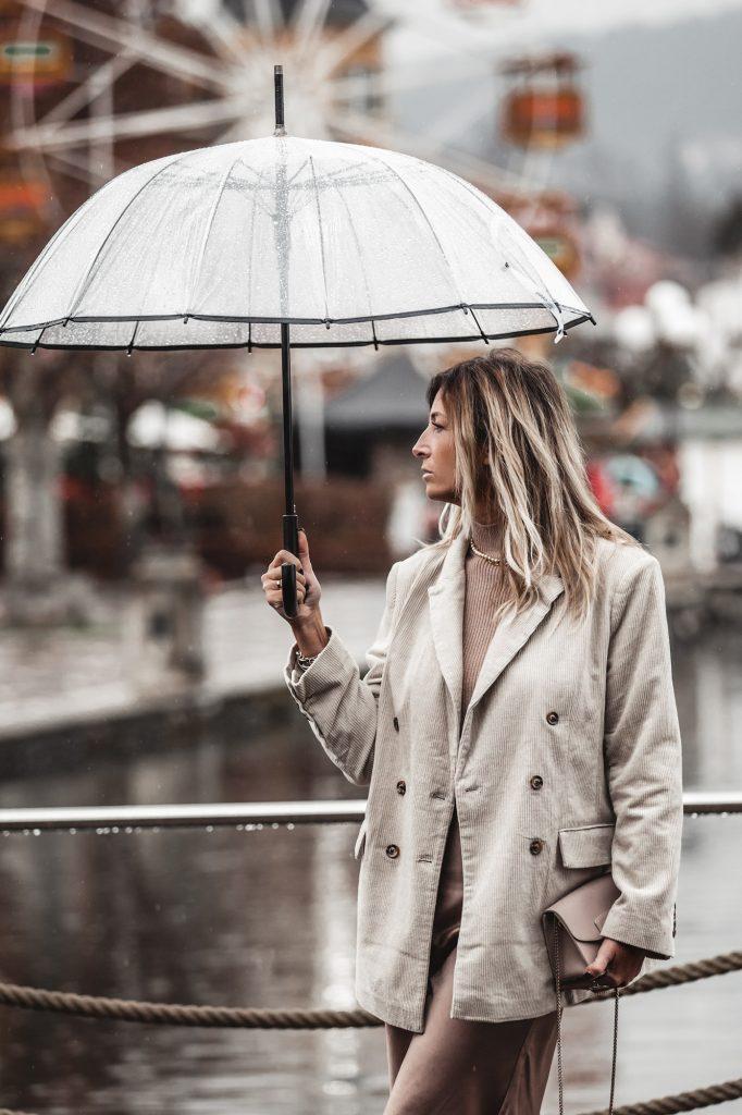 beige-outfit-corduroy-blazer