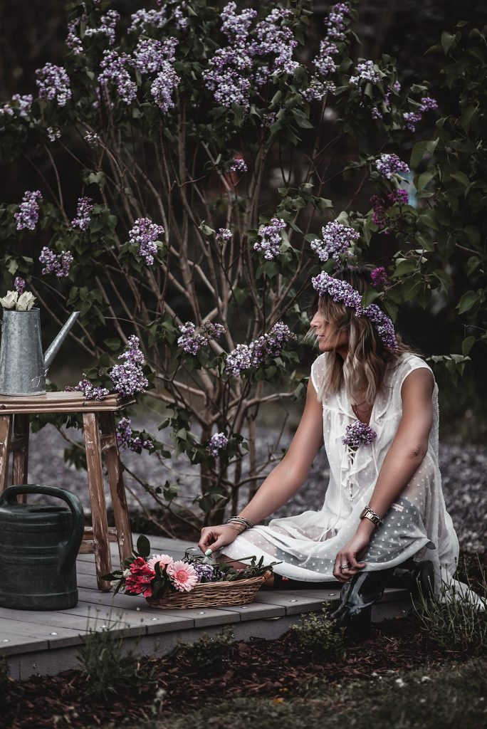 The time of white dresses is officially here. Keep reading to have a taste of the most beautiful voluminous, romantic, and broderie white dresses for spring and summer 2020, at super affordable prices, many of which are only under 30 €. White dress, Lilac, flowers.